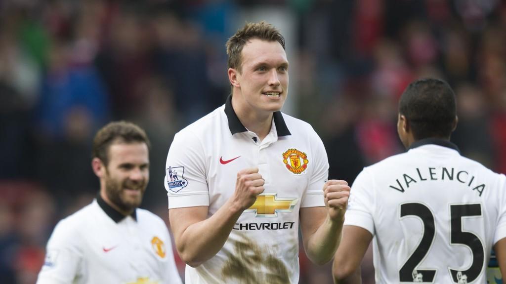 MOTIVERT: Phil Jones mener kritikken motiverer Manchester United-spillerne.