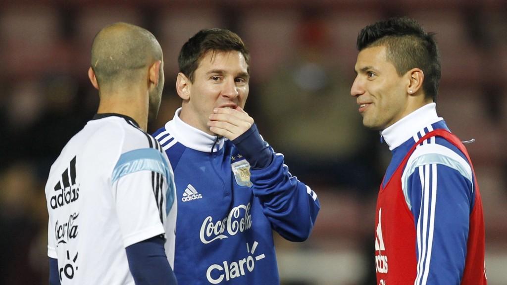 BEDRE: Joe Hart mener Agüero er en bedre avslutter enn Messi.