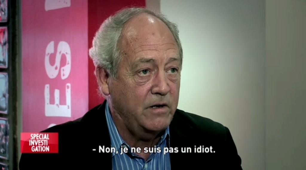 - Jeg er ikke en komplett idiot, sier Patrick Moore.