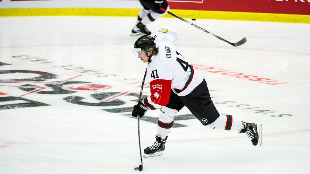 VIKTIG: Mathis Olimb er en nøkkelspiller for sitt Frölunda. Her i aksjon for en måned siden, i Champions Hockey League.