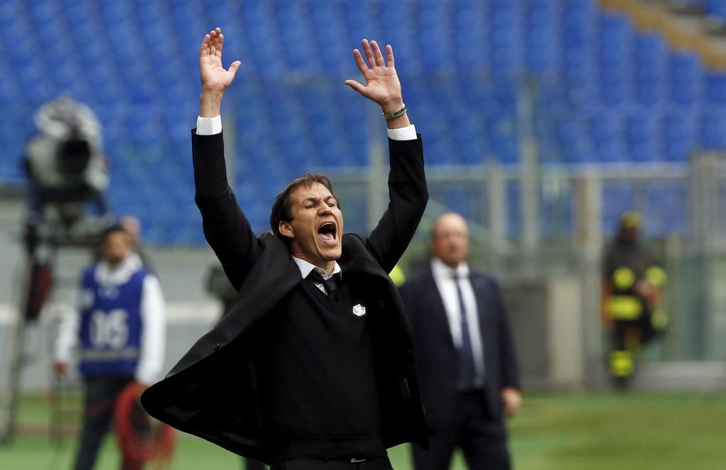 HATTEN AV: Roma-trener Rudy Garcia feirer seieren over Napoli hjemme i den italienske hovedstaden på lørdag.