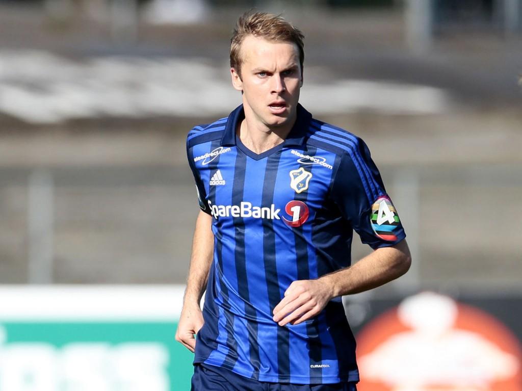 UTE AV TROPPEN: Craig Henderson, her fra kampen mot Molde på Nadderud sist sesong, er utelatt fra Stabæk-troppen fordi det er for mange utlendinger på laget.