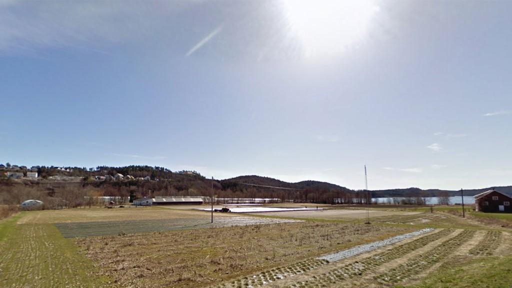 VARMEST: Her i Landvik i Grimstad var det varmest i går, med nesten 20 varmegrader.