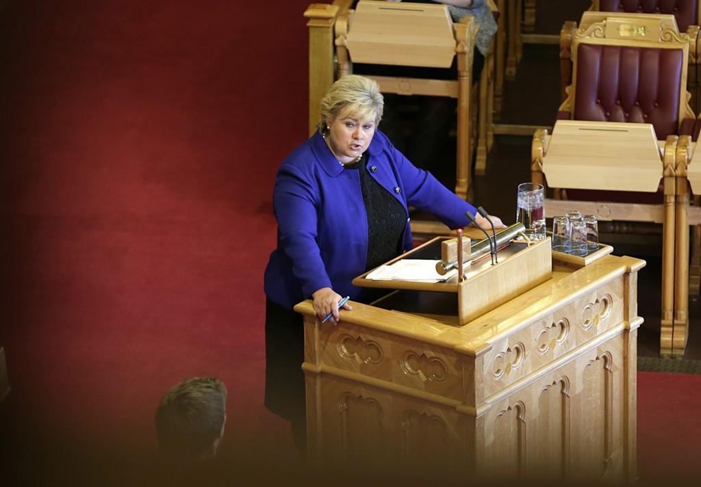 – Det er på tide med et moralsk oppgjør med denne mørke delen av vår historie, sier statsminister Erna Solberg, her under spørretimen på Stortinget onsdag.