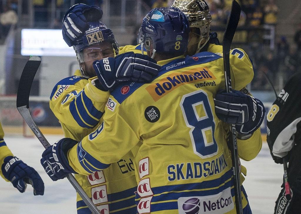 SLO TILBAKE: Storhamar slo Stavanger Oilers og utlignet til 1-1 i kamper.