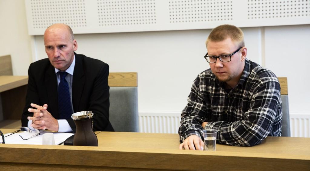 Torsdag erklærte den drapssiktede Kim Andreas Kristiansen (24) seg skyldig i forsettlig drap på stefaren Bjarte Hansen i Øyer i august i fjor.