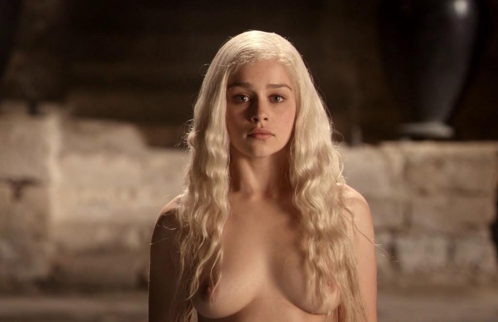 Emilia Clarke spiller Daenerys Targaryen i Game of Thrones.