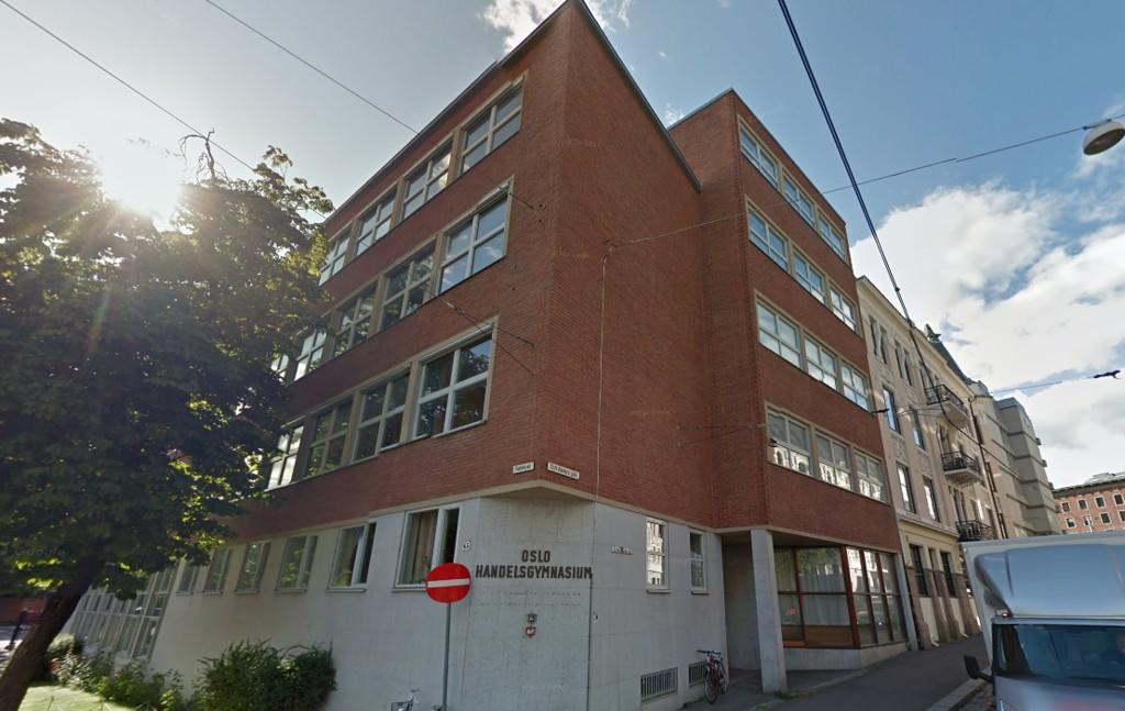 En ung gutt skal ha skutt med softgun på denne skolen i Oslo.
