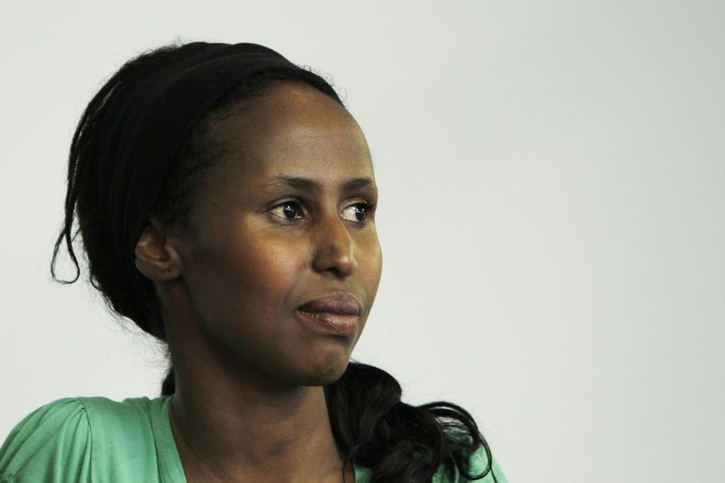 SINT: Kadra Yusuf er opprørt over hva nordmenn får seg til å skrive i kommentarfeltene.