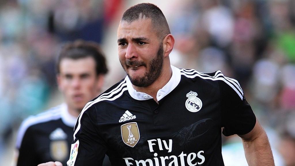 Karim Benzema (foran), Gareth Bale (bak) og Luca Modric er ute med skader når Real Madrid møter byrivalen Atletico i kvartfinalen i Champions League onsdag kveld.