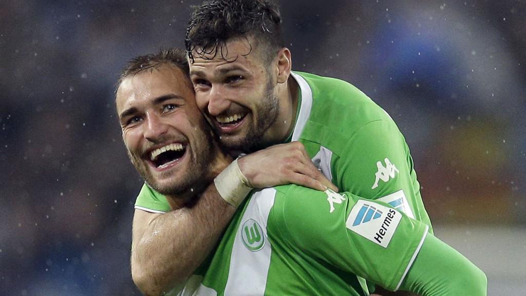Wolfsburg og Bas Dost må gjøre noe ingen har klart tidligere for å avansere til semifinalen i europaligaen i fotball. Torsdagens oppgave i Napoli synes umulig.
