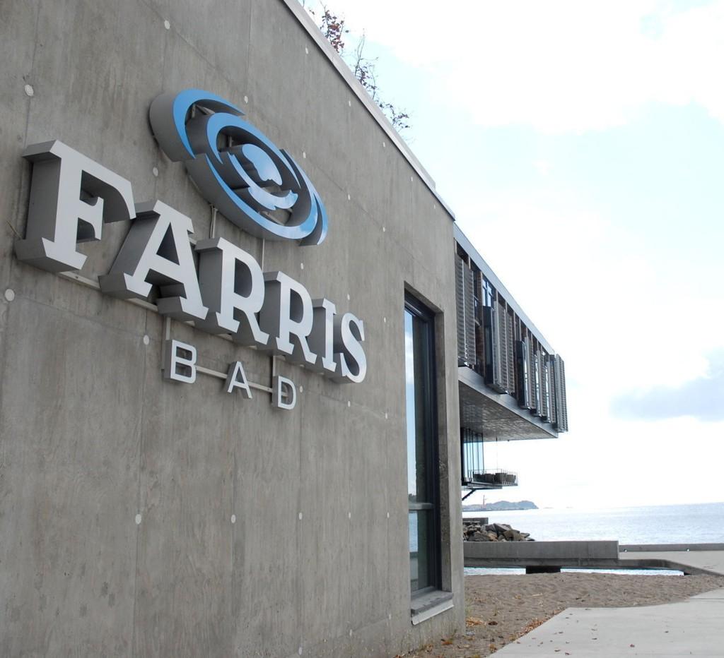 ENDTE I RETTEN: Farris Bad anså det hele som et uhell og ønsket ikke å forfølge saken, men mannen måtte likevel møte i Larvik tingrett.