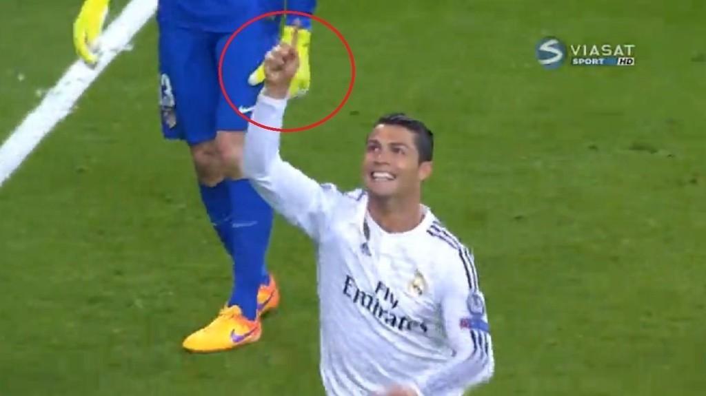 FEIRET: Slik feiret Cristiano Ronaldo Real Madrids scoring mot Atlético Madrid onsdag kveld.