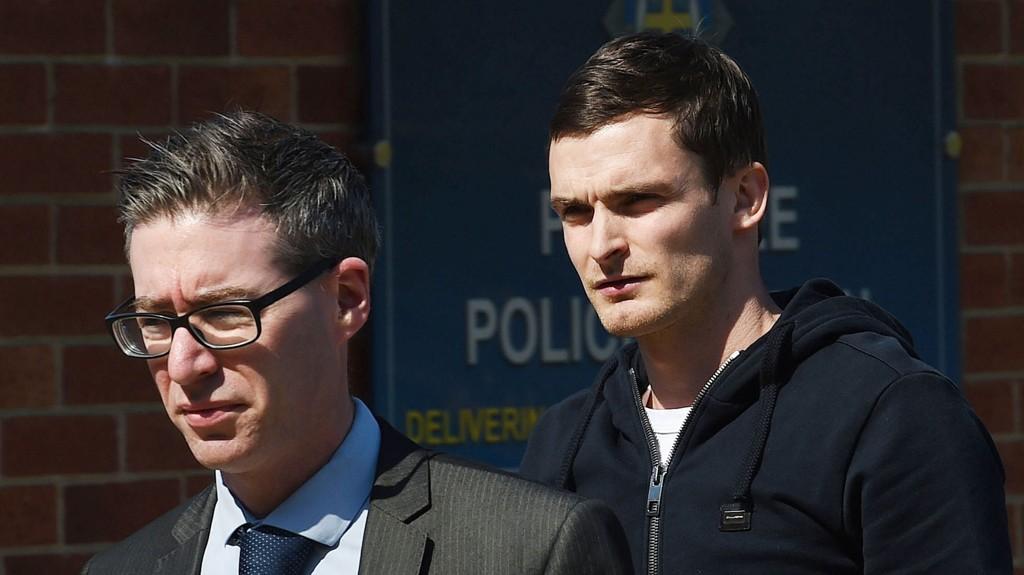 I TRØBBEL: Adam Johnson (t.h) er siktet for å ha seksuell omgang med en 16-åring.