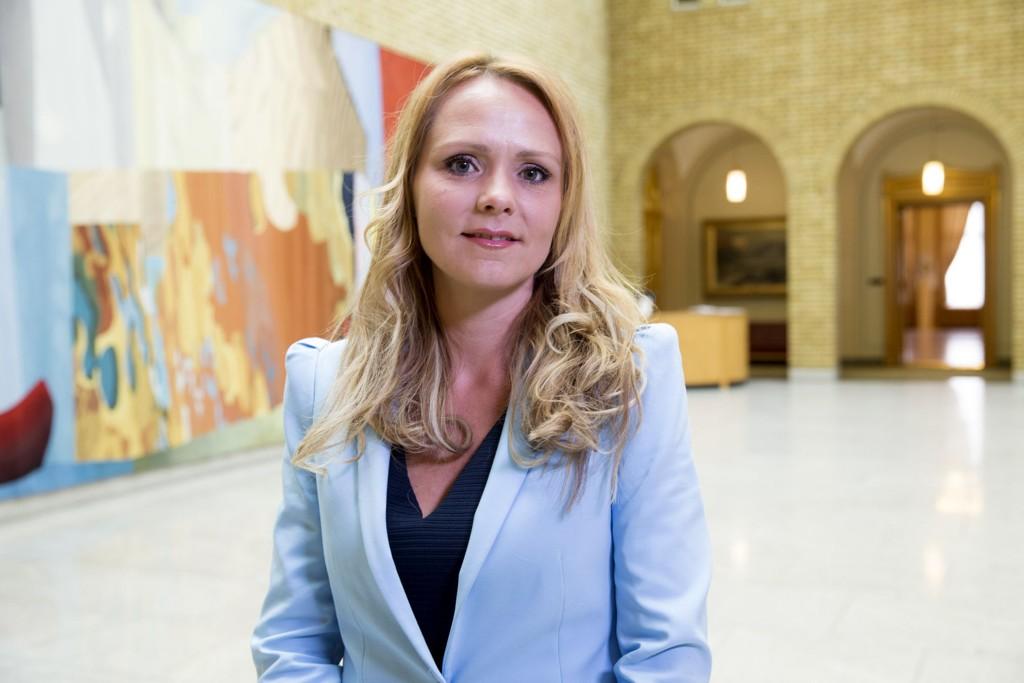Linda Hofstad Helleland ønsker tydeligere straffereaksjoner på forfølging.