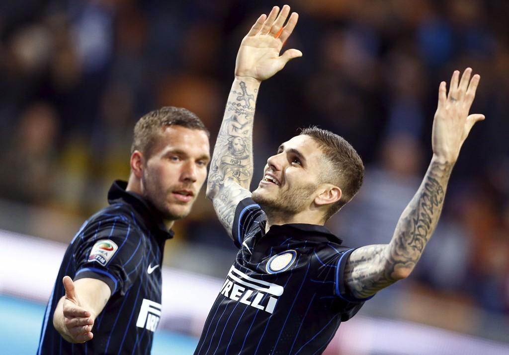 MÅL OG TRIUMF: Mauro Icardi og Inter ødela kvelden for Roma i Milano lørdag.