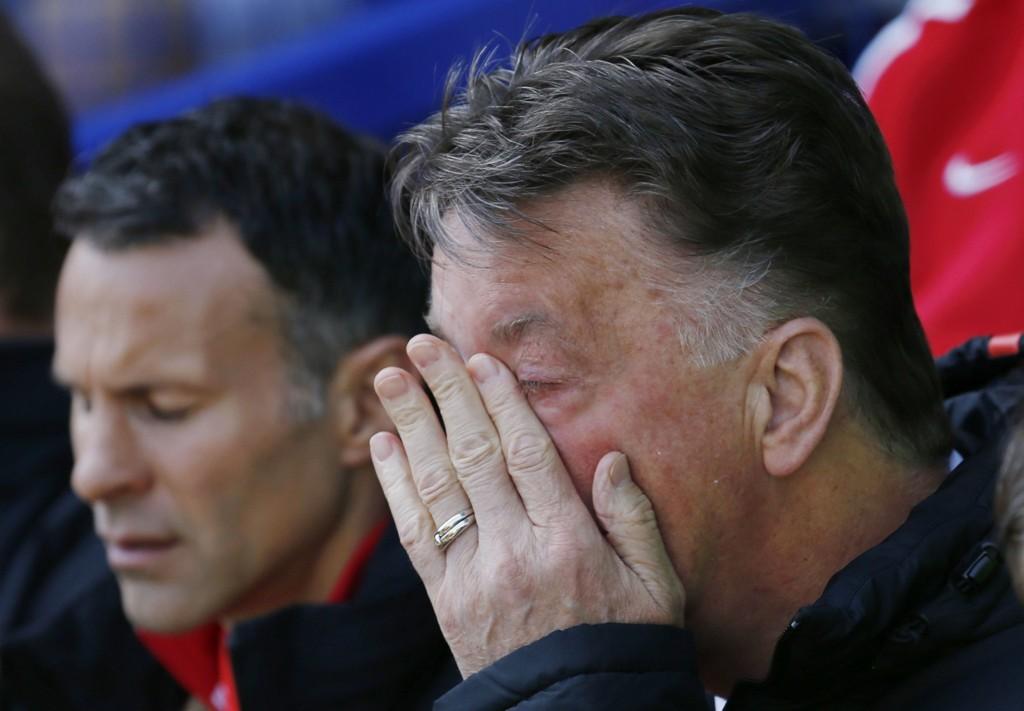 STORTAP: Louis van Gaal og Manchester United ble ydmyket av Everton.