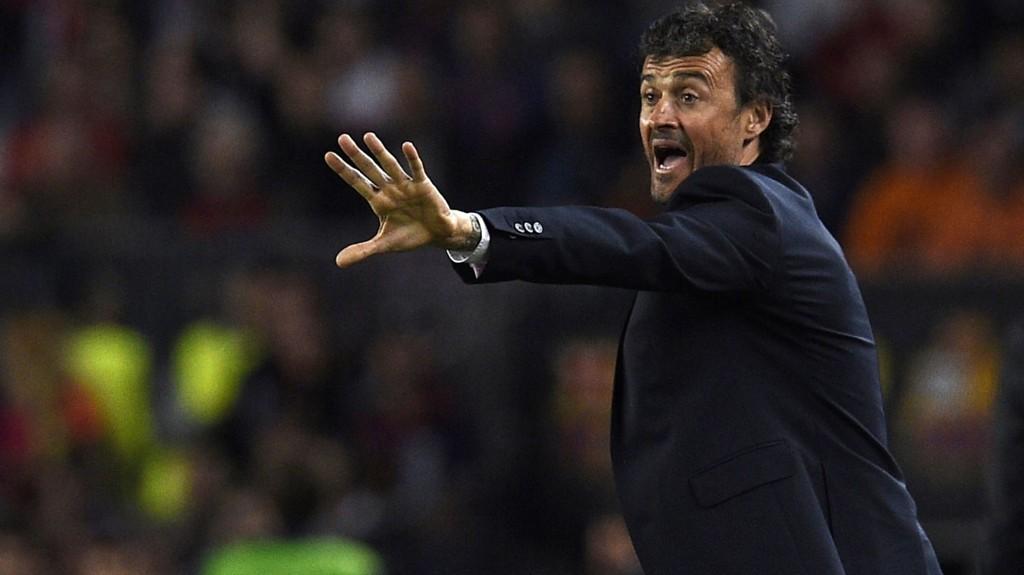 MANER TIL ALVOR: Luis Enrique krever full konsentrasjon fra sine spillere.