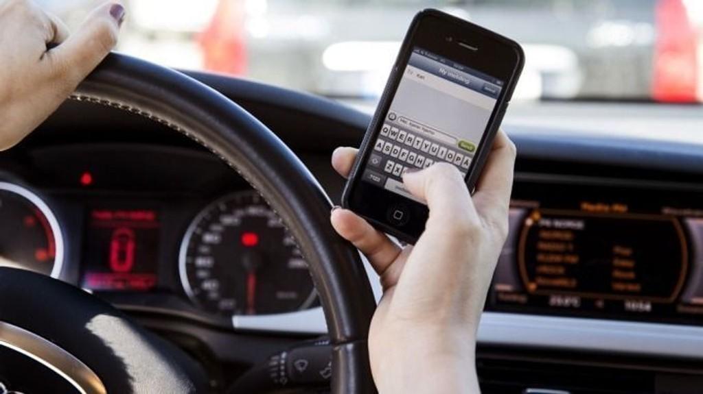 ENKELT: Vi handler på mobil mer enn noen sinne.