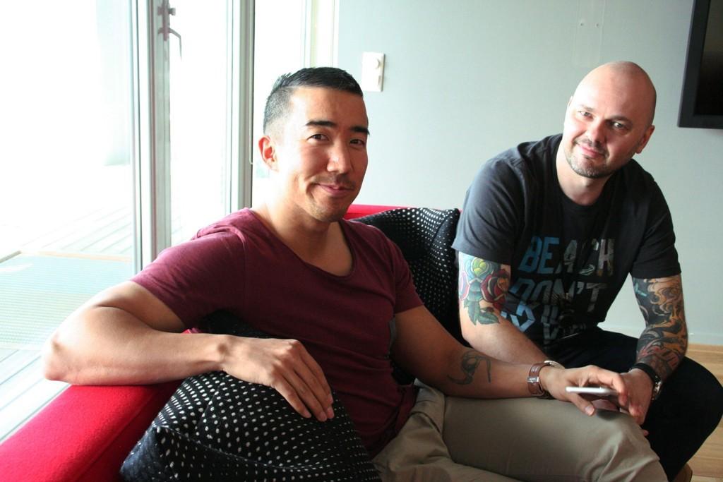 Morten Strid (t.v.) og Kenneth Rasmus Greve har på fritiden utviklet appen DeeMe, som på få uker har fått over 80.000 brukere.
