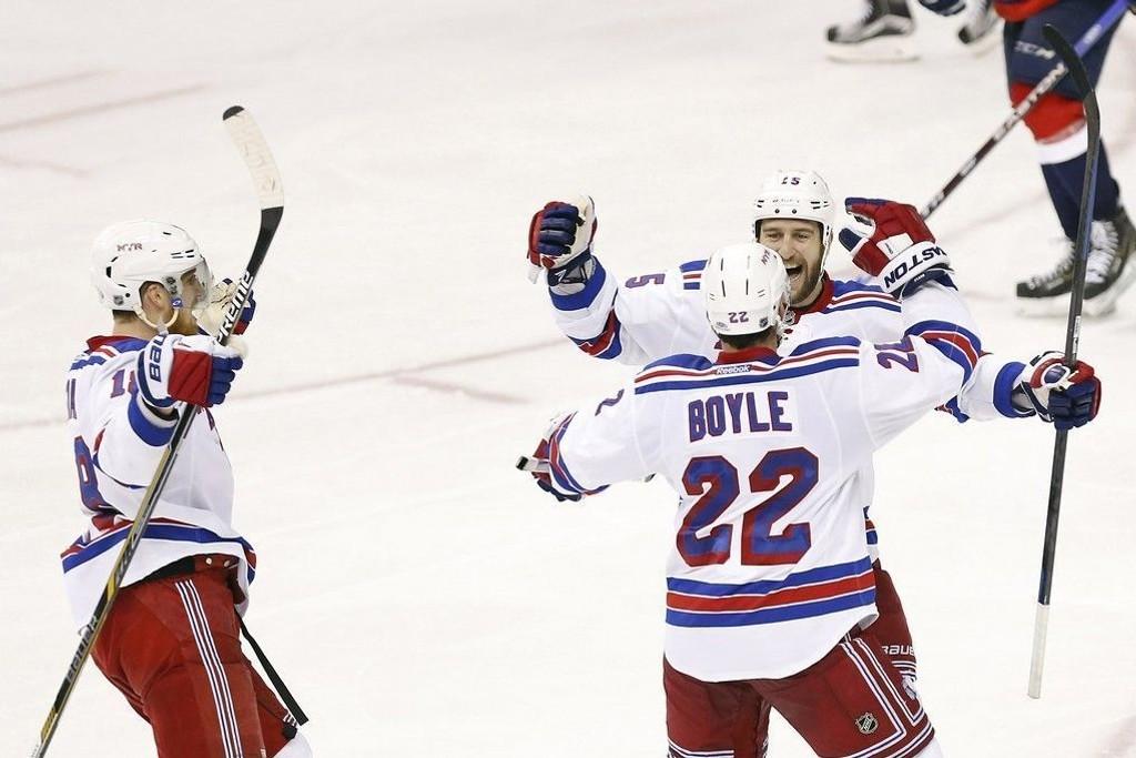 Dan Boyle scoret ett av New York Rangers' fire mål mot Washington Capitals søndag.