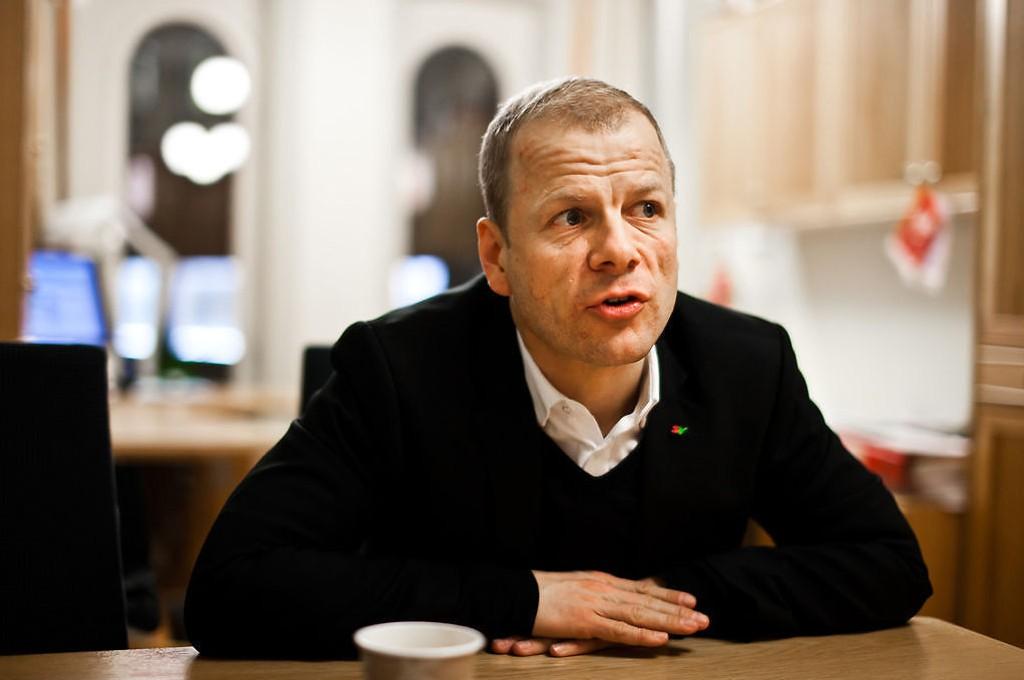 TOGRAN: - Jeg tror knapt jeg har hørt om andre land der statsjernbanen blir ranet for togene, sier SVs Heikki Eidsvoll Holmå.