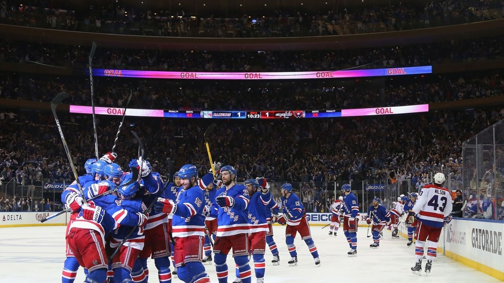 POPULÆR UNDERHOLDNING: Det koster en hel del penger å se New York Rangers i sluttspillet.