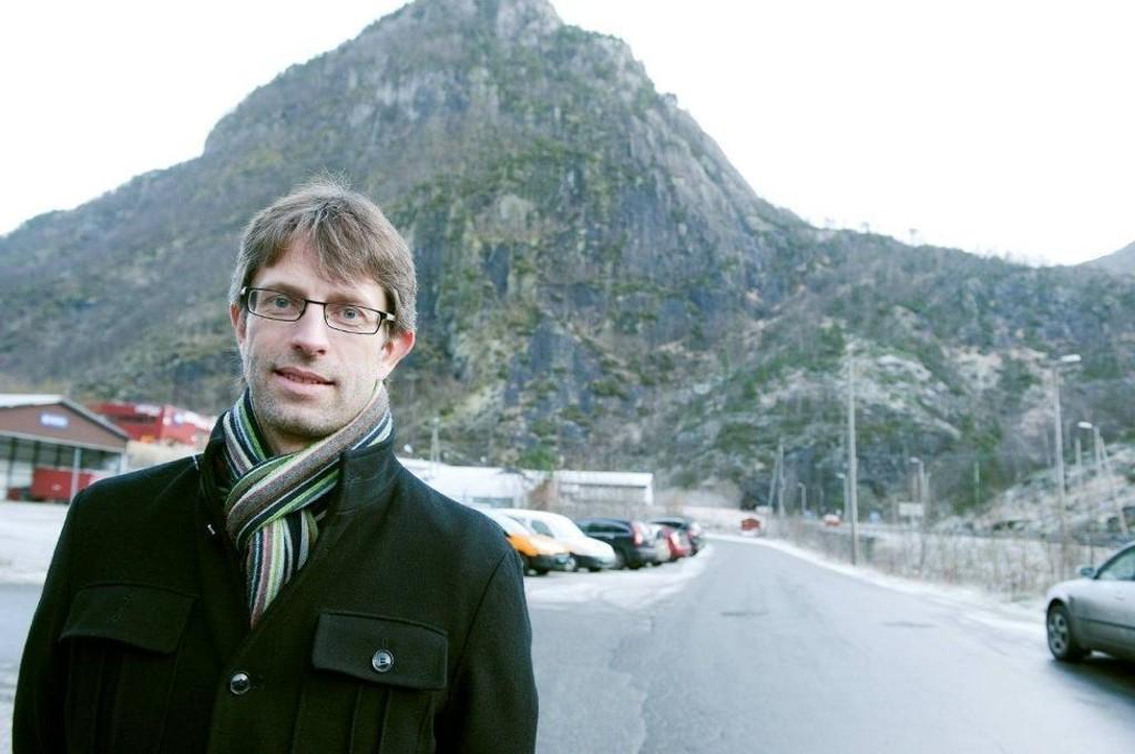 Hans Erik Ringkjøp, ordfører i Voss, ble selv rammet av togulykken like før Vaksdal. Foto: MAGNE TURØY