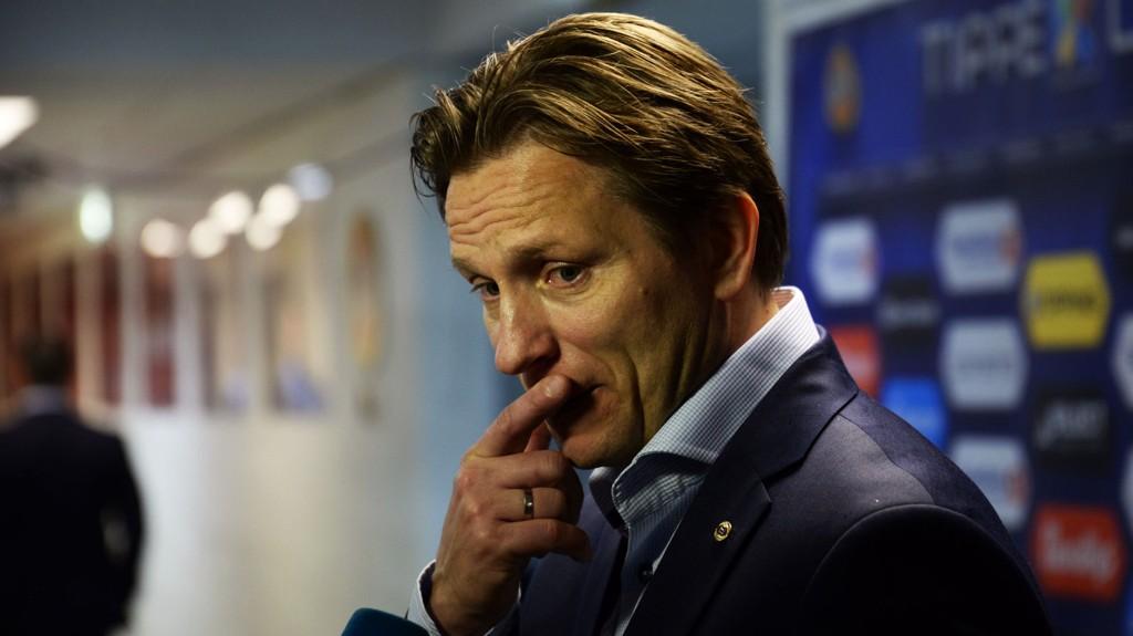 NEDBRUTT: Steinar Nilsen måtte skuffet se at laget hans tapte mot Vålerenga.
