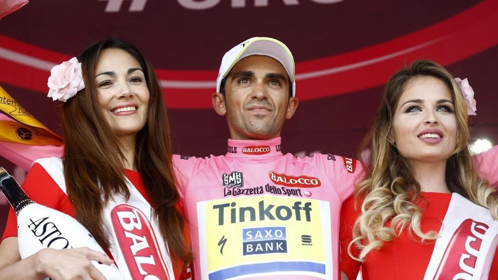 Det kom overraskende på spanjolen Alberto Contador at han skulle snappe ledertrøya i Giro d'Italia allerede etter den femte etappen.