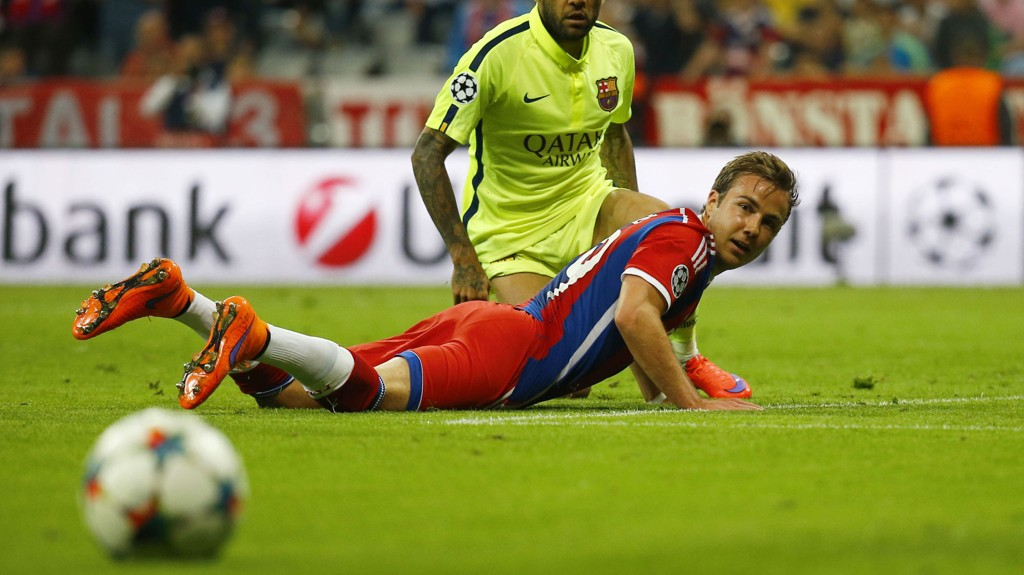 Et snaut år etter at han avgjorde VM-finalen er Mario Götze benkesliter i Bayern München. Landslagssjef Joachim Löw forstår ikke kritikken mot 22-åringen.