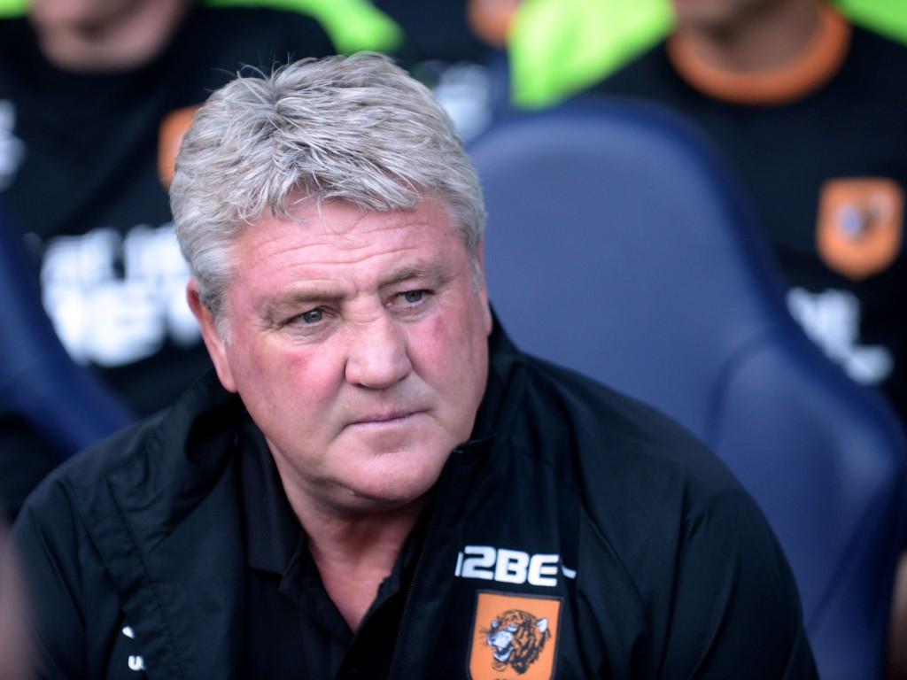 RYSTET: Hull og manager Steve Bruce kjemper en desperat kamp mot nedrykk fra Premier League. Jake Livermores positive test for kokain ble et nytt skudd for baugen til det synkende Hull-skipet.