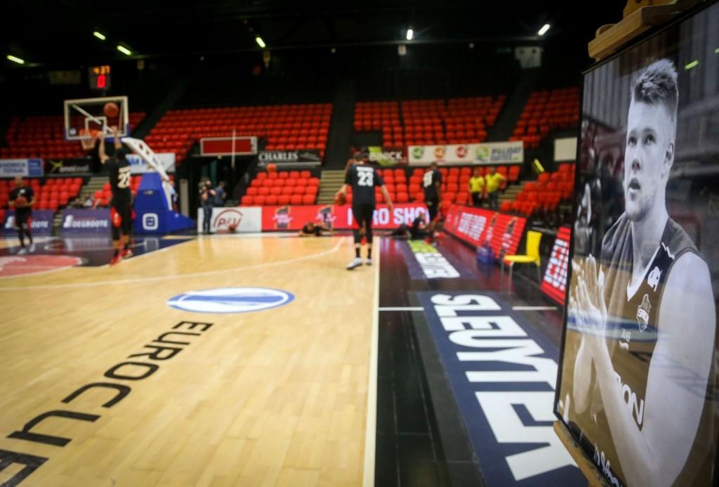 Den danske basketballspilleren Rasmus Larsen ble funnet død 13. mai. Foreløpig vet man ikke hva dødsårsaken er.