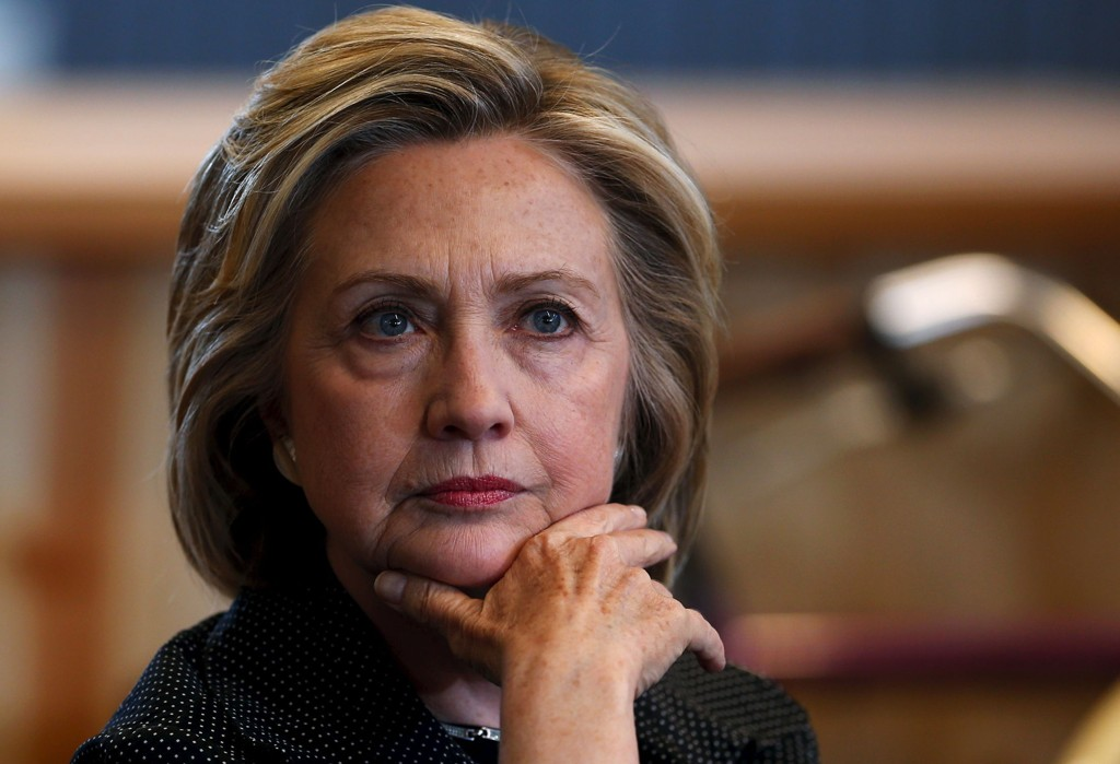 – Alt de kan gjøre for å framskynde prosessen, støtter jeg fullt ut, sier Hillary Clinton om at USA utenriksdepartement har fått ordre om å komme med et spesifikt tidsskjema for offentliggjøringen av epostene hun sendte mens hun var utenriksminister.
