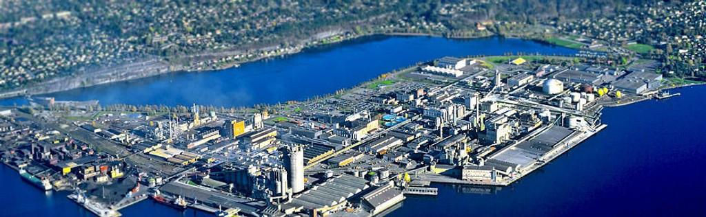 HERØYA INDUSTRIPARK: Herøya Industripark er en av landets største industriparker. Den ligger i Porsgrunn kommune i Telemark,