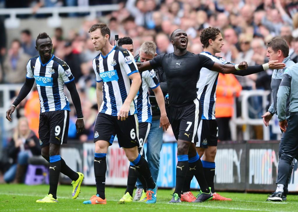 SIKRET PREMIER LEAGUE-EKSISTENSEN: Moussa Sissoko sørget for at Newcastle holder seg i den engelske toppdivisjonen.