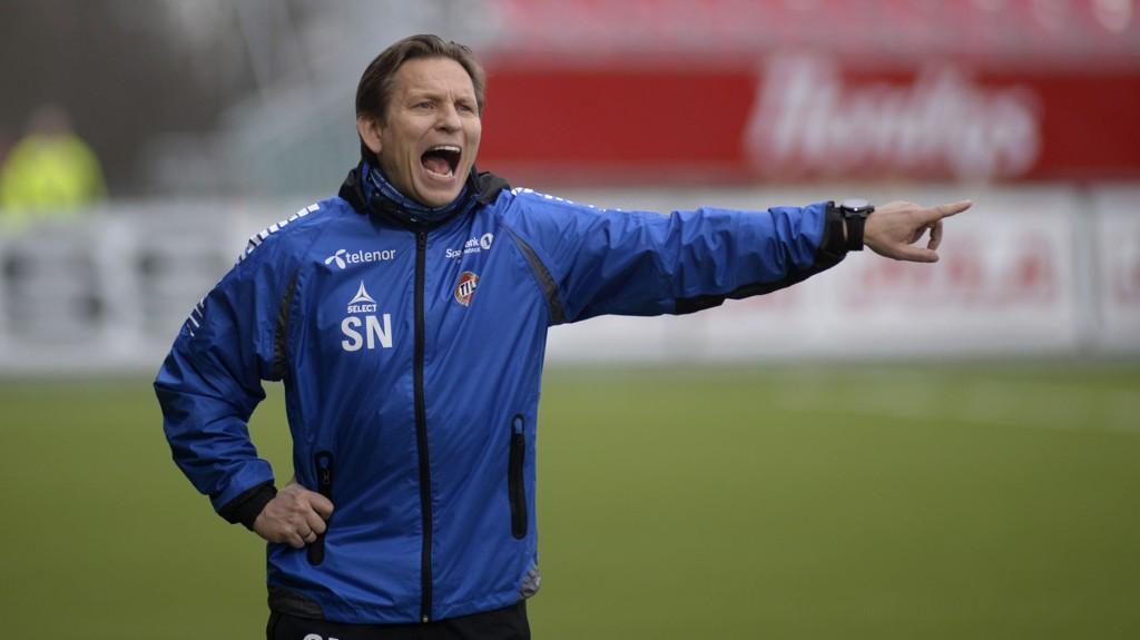 Tromsø-trener Steinar Nilsen er under press og må ha tre poeng hjemme mot Odd mandag. Foto: Rune Stoltz Bertinussen / NTB scanpix
