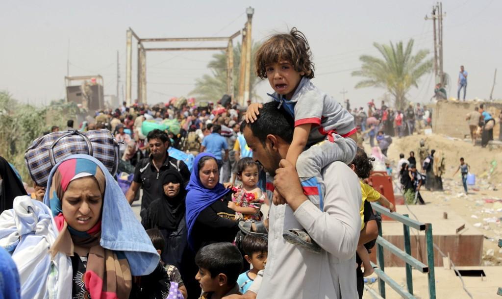 FLYKTET: Innbyggere i Ramadi flyktet fra IS i helgen.