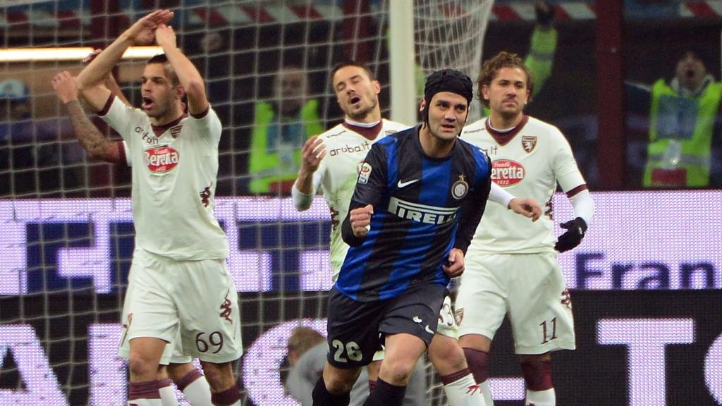 Pescara klarte bare å skrape sammen 22 poeng i Serie A i 2013 og rykket ned til Serie B. Her fra en kamp mot Inter Milan.