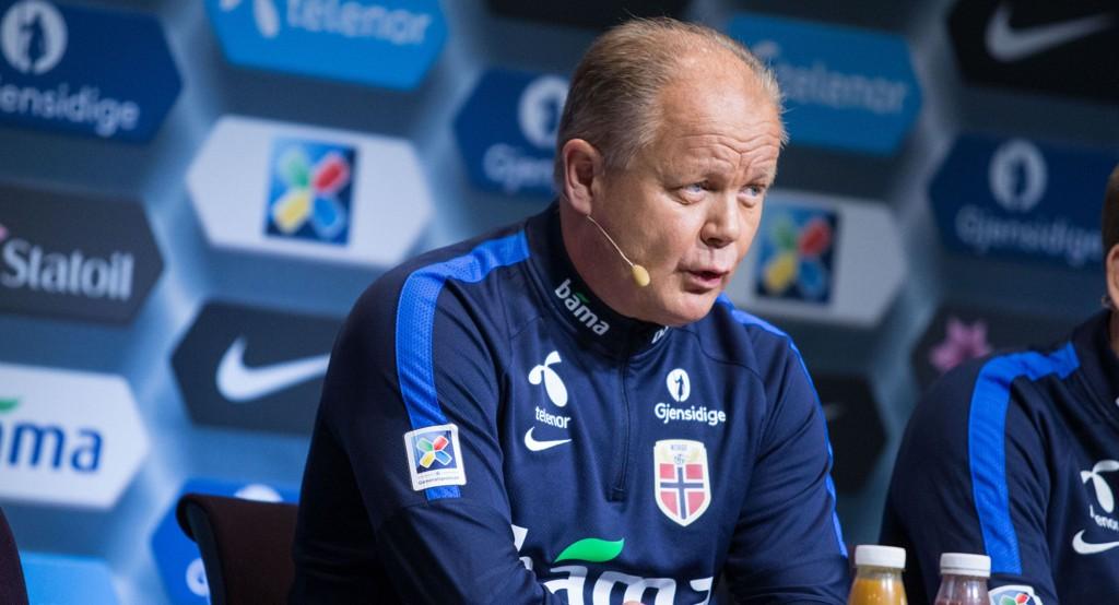 GLAD: Landslagssjef, Per-Mathias Høgmo, er glad for at norske spisser har begynt å score mål.