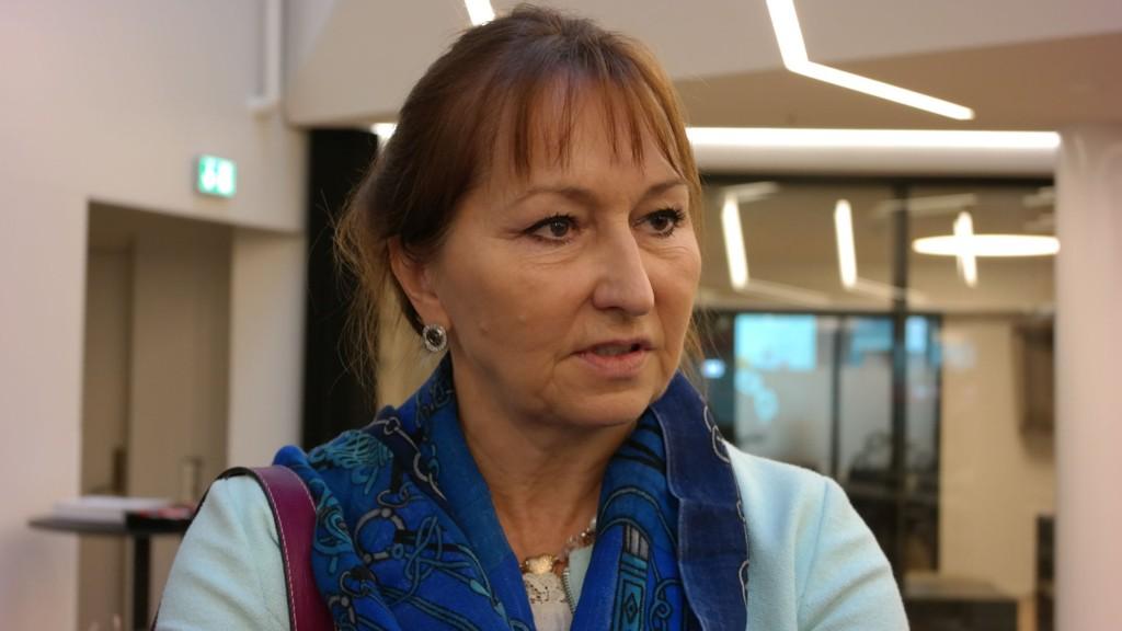 KS-leder Gunn Marit Helgesen vil blant annet øke integreringstilskuddet til kommunene.