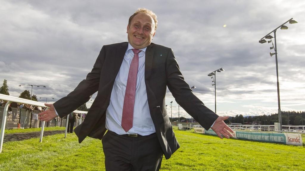 Galopptrener Niels Petersen får trolig mer grunn til å juble etter V4-2 på Jägersro tirsdag.foto Roger Svalsrød hesteguiden.com