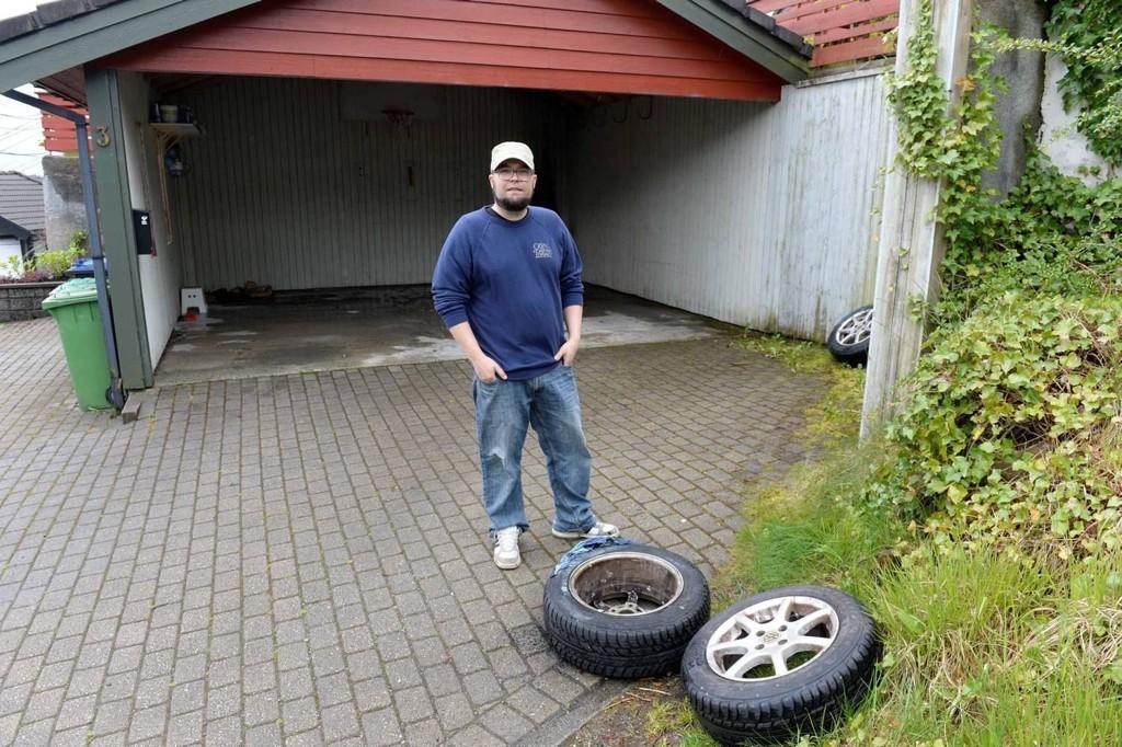 Erik Nettestad ble svært overrasket da han fikk høre at garasjen hans sto i full fyr.
