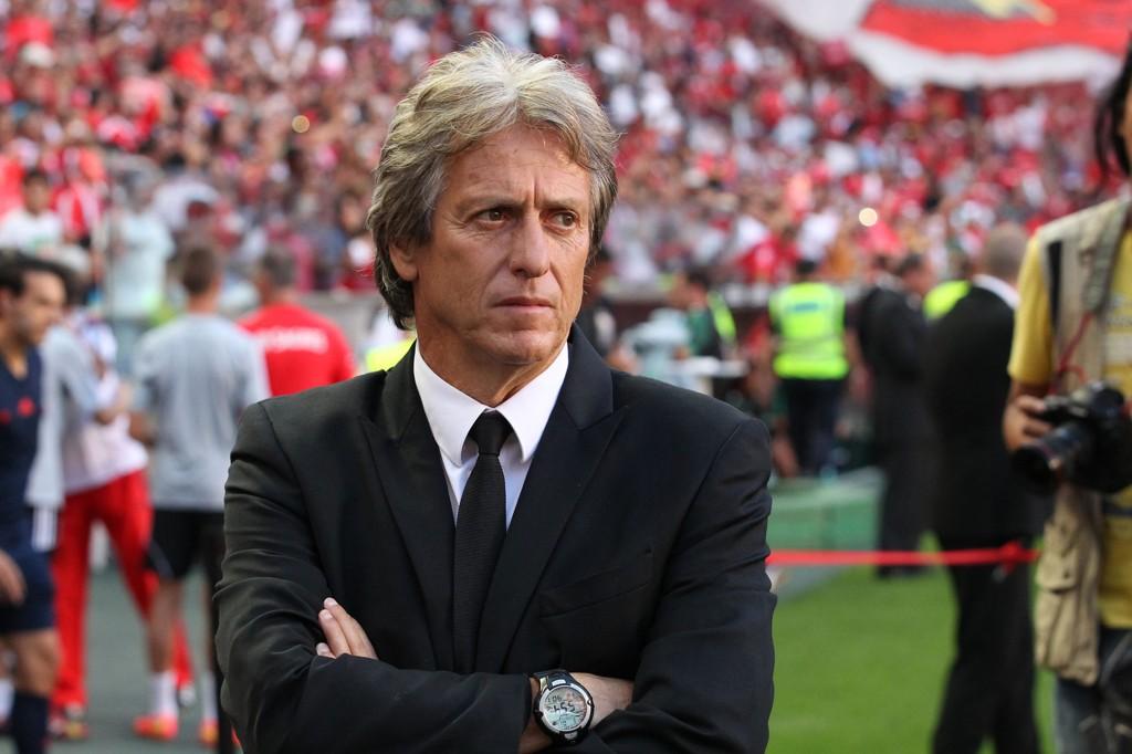 KONTROVERSIELT: Jorge Jesus forlot Benfica til fordel for erkerivalen Sporting - et valg som har satt sinnene i kok hos mange.