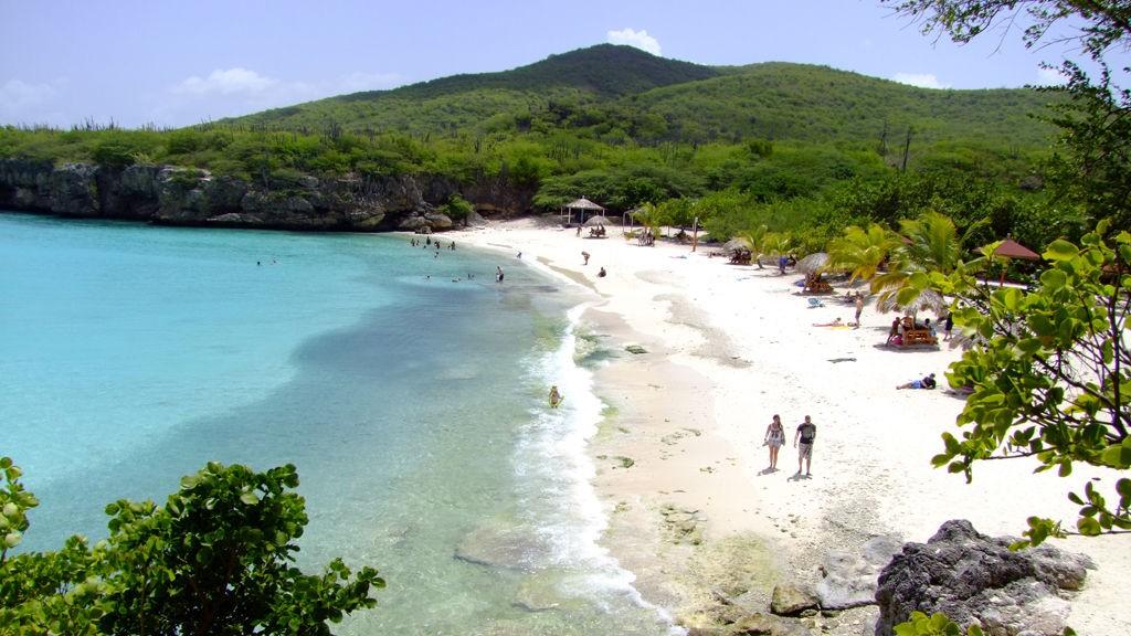 KARIBIA: De karibiske øyer ligger i Nord-Amerika, og strekker seg fra sørspissen av Florida til Venezuela i Sør-Amerika.