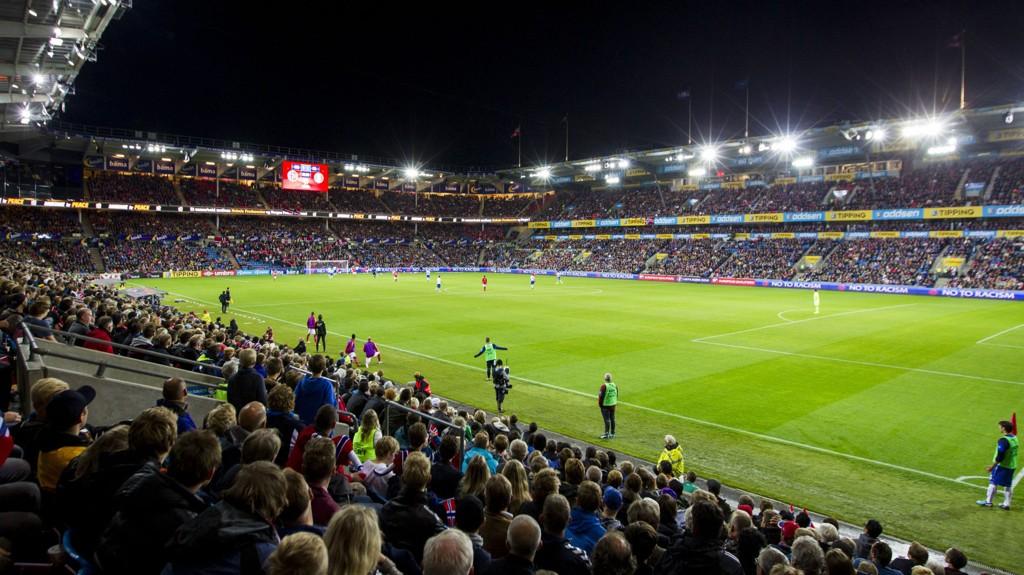 UTSOLGT: Det blir fullsatt på Ullevaal Stadion mandag kveld.Dette er fra EM-kvalifiseringskampen mot Italia i 2014.