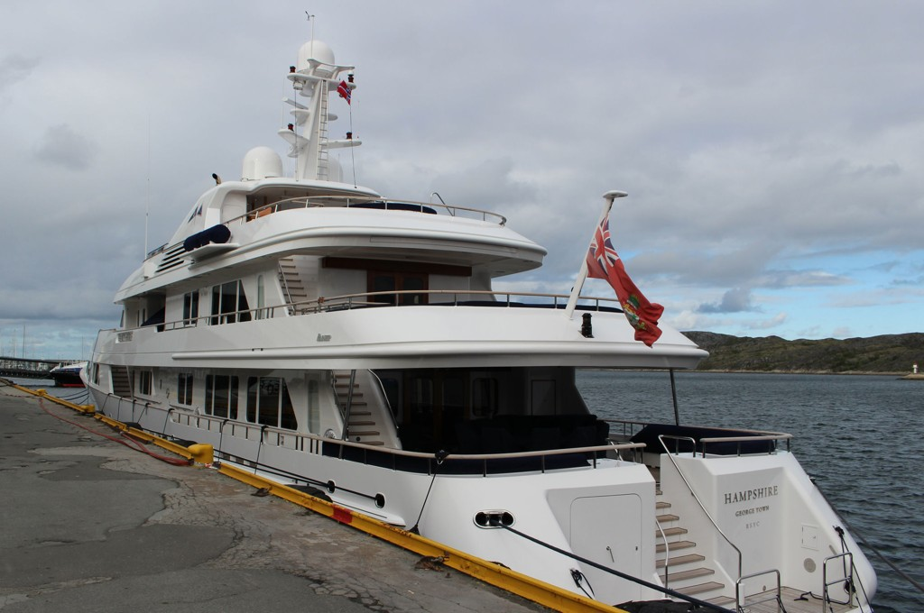 DYR: James Ratcliffe fra Storbritannia står oppført som eier av den luksuriøse båten. Foto: Heidi Larsen (Avisa Nordland)
