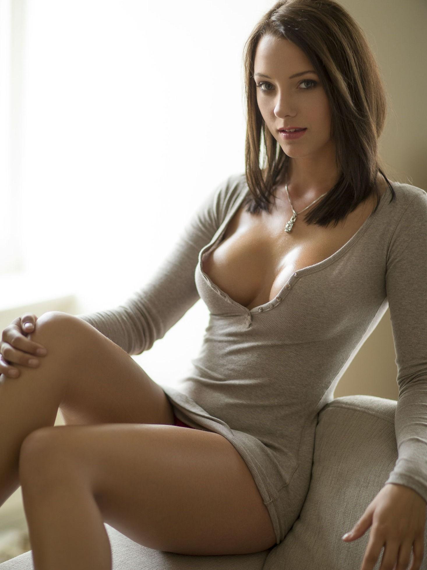 Dette bildet av Linn Beate Sejrup Riley (23) fra norske FHM blir flittig brukt i meksikanske medier.