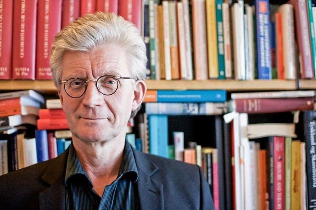 SV-veteran Knut Kjeldstadli mener SV bør slå seg sammen med Rødt for å komme over sperregrensen.