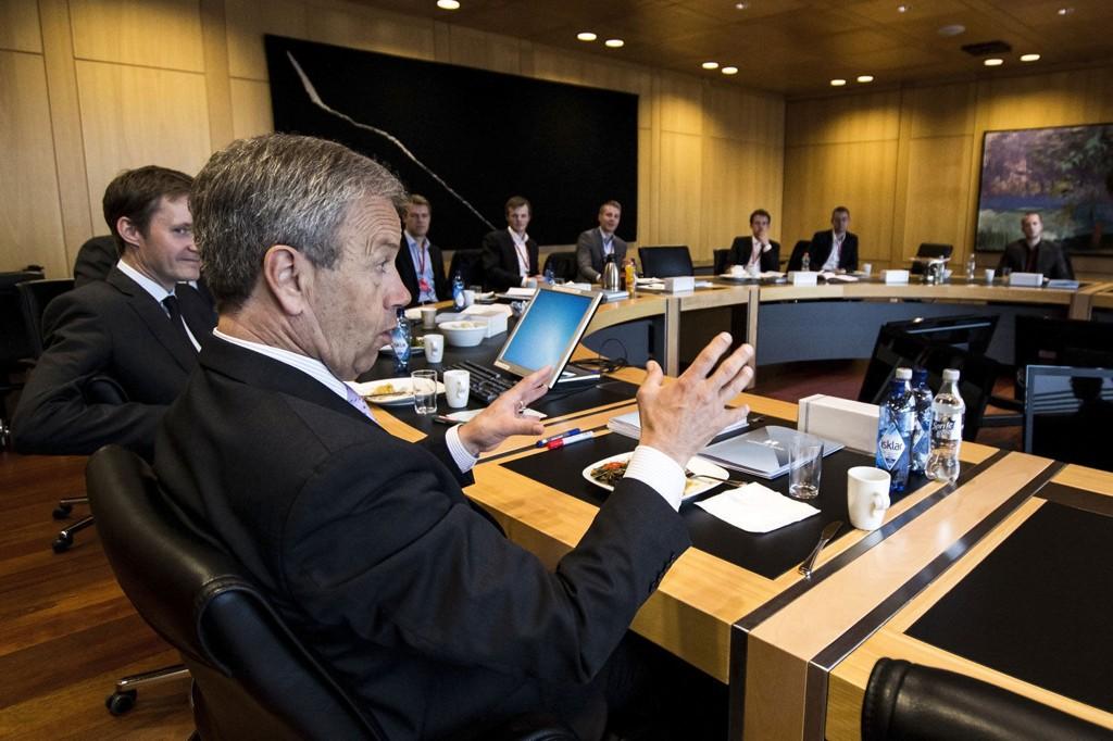 Klokken 10 i dag setter Norges Bank og sentralbanksjef Øystein Olsen etter alt å dømme ned renten med 0,25 prosentpoeng.